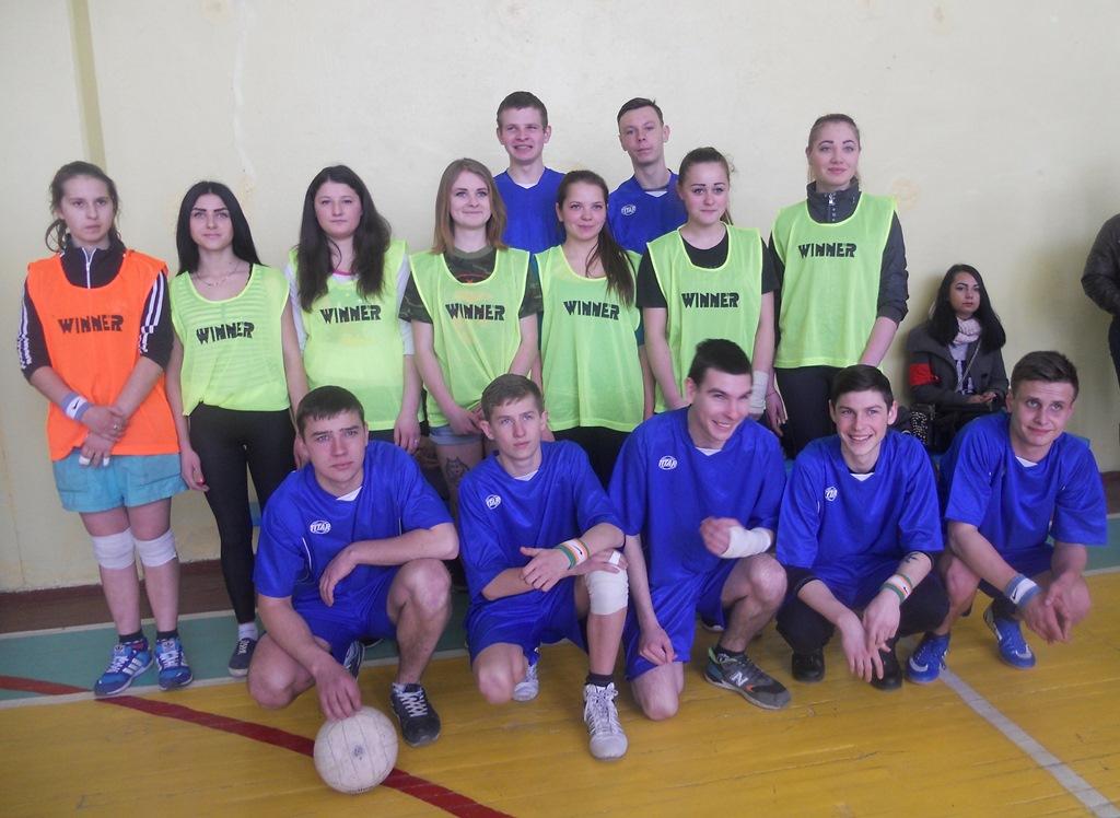 Команди з волейболу хлопців та дівчат ЦПТО №1 м. Харкова